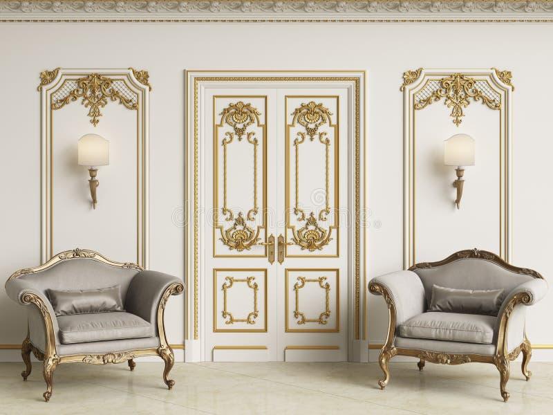 Κλασικά μπαρόκ armchais στο κλασικό εσωτερικό Τοίχοι με τη σχηματοποίηση και το διακοσμημένο γείσο ελεύθερη απεικόνιση δικαιώματος