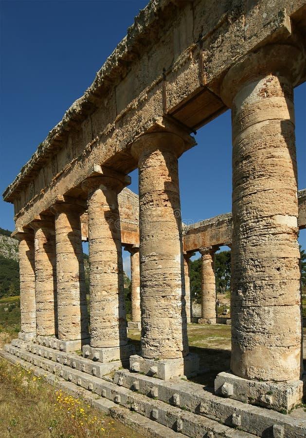 κλασικός δωρικός ελληνικός ναός της Σικελίας segesta στοκ φωτογραφία με δικαίωμα ελεύθερης χρήσης