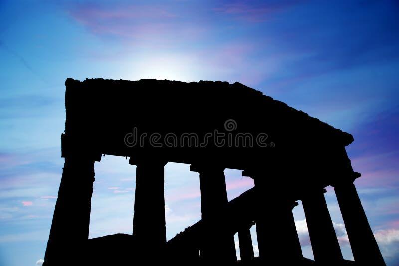 κλασικός δωρικός ελληνικός ναός στοκ φωτογραφίες
