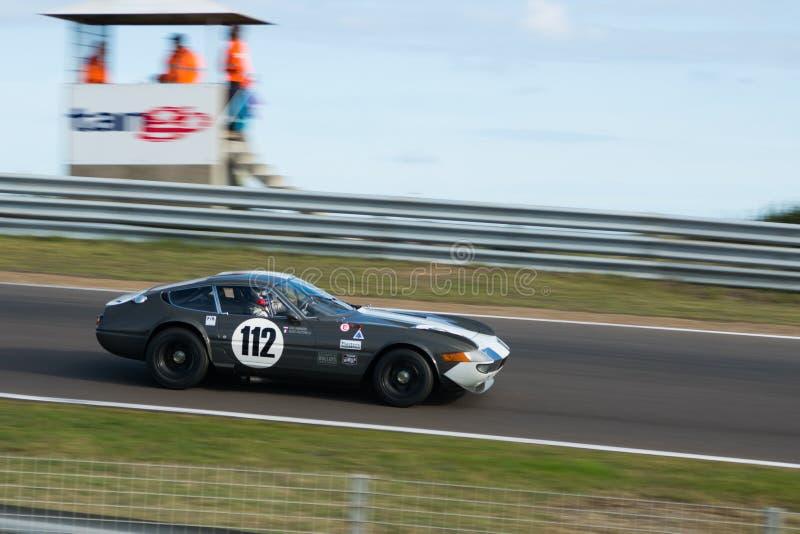 Κλασικό αυτοκίνητο που συναγωνίζεται σε Zandvoort στοκ εικόνα
