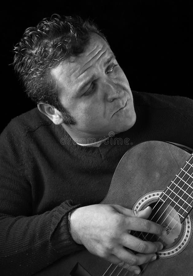 κλασσικός κιθαρίστας στοκ φωτογραφία με δικαίωμα ελεύθερης χρήσης