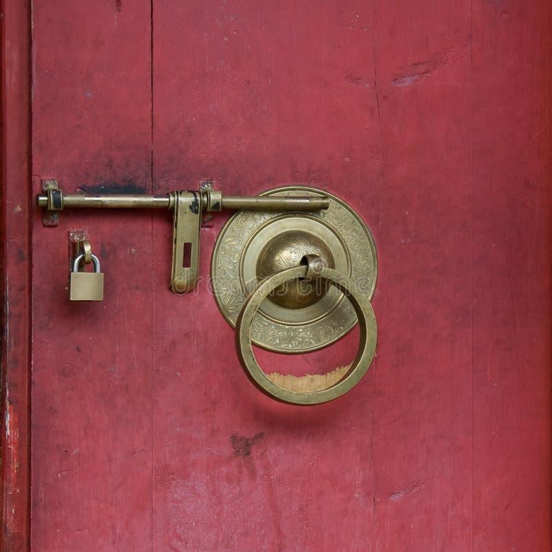 Download κλείδωμα πορτών στοκ εικόνα. εικόνα από ντεκόρ, χρυσός - 13178585