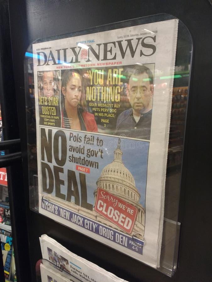 Κλείσιμο αμερικανικής κυβέρνησης, τίτλος εφημερίδων, NYC, Νέα Υόρκη, ΗΠΑ στοκ φωτογραφία με δικαίωμα ελεύθερης χρήσης