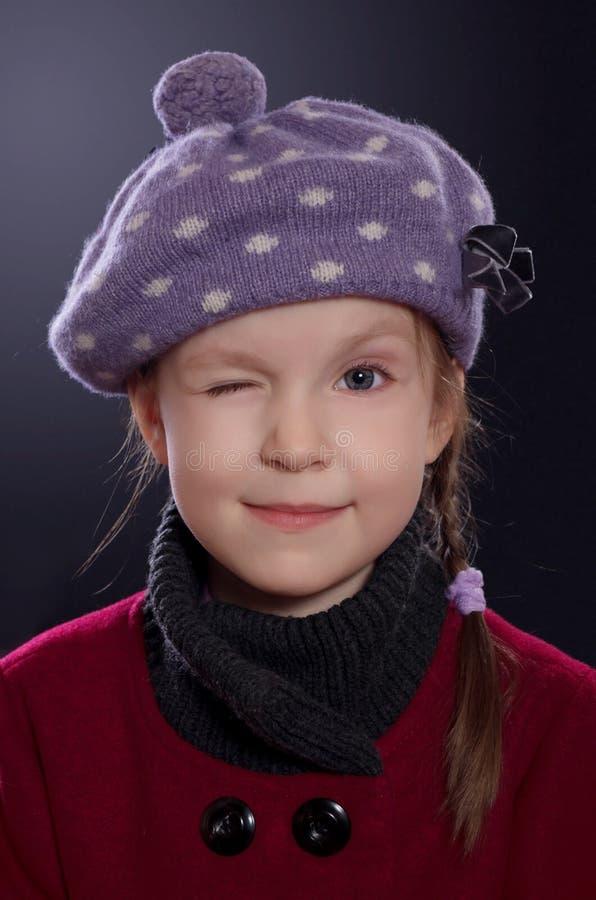 Κλείσιμο του ματιού μικρών κοριτσιών στοκ εικόνες με δικαίωμα ελεύθερης χρήσης