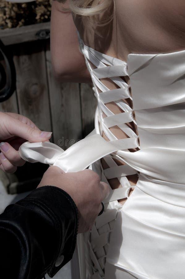 κλείσιμο weddingdress στοκ φωτογραφία με δικαίωμα ελεύθερης χρήσης