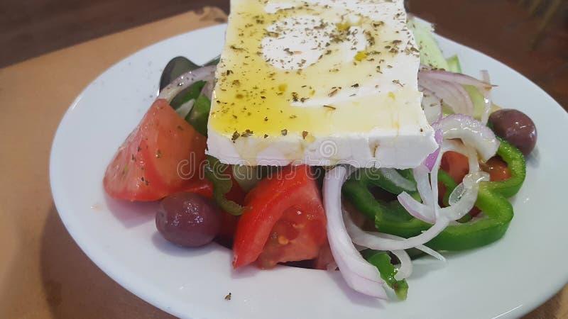 Κλείστε επάνω μιας παραδοσιακής ελληνικής σαλάτας φέτας στοκ φωτογραφίες