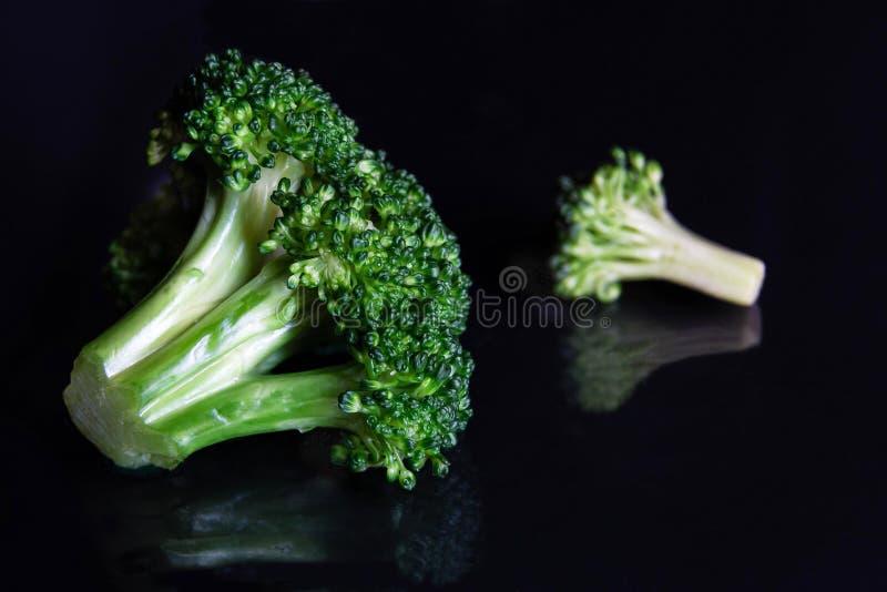 Κλείστε επάνω πράσινο floret brocoli που απεικονίζει στο Μαύρο στοκ εικόνα με δικαίωμα ελεύθερης χρήσης
