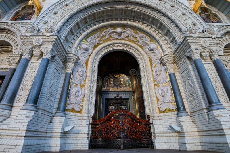 Κλείστε επάνω την είσοδο σε Kronstadt ή το θαλάσσιο καθεδρικό ναό του Nicholas στην Αγία Πετρούπολη στοκ εικόνα