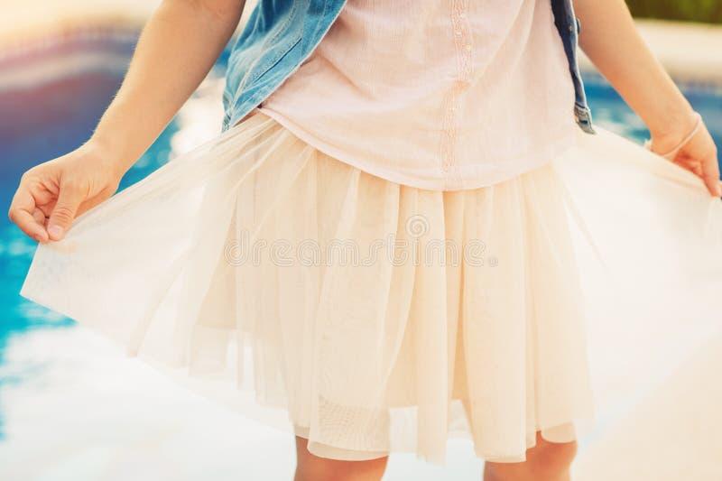 Κλείστε επάνω την εικόνα της φούστας του Tulle στοκ φωτογραφία