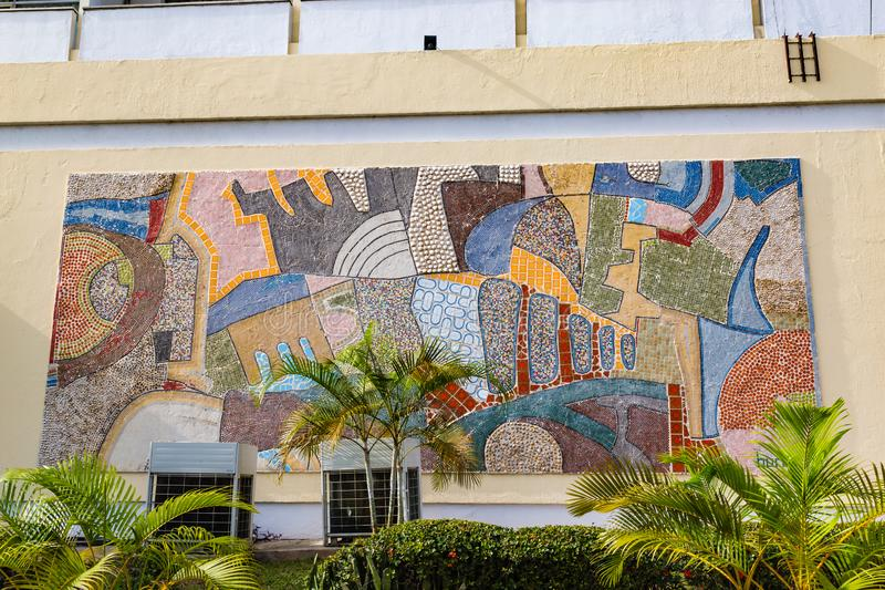 Κλείστε επάνω της τοιχογραφίας κατά την μπροστινή άποψη του αρχαιότερου ξενοδοχείου Ιμπαντάν Νιγηρία στοκ φωτογραφίες