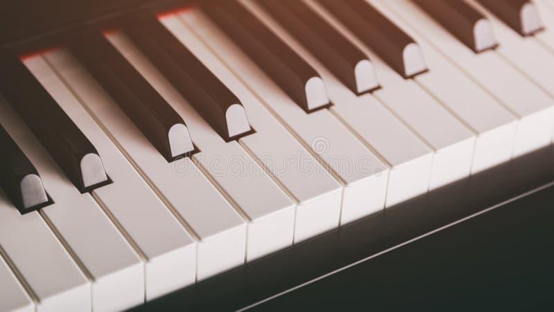 Κλείστε επάνω τη φωτογραφία των κλειδιών πιάνων στοκ φωτογραφία με δικαίωμα ελεύθερης χρήσης