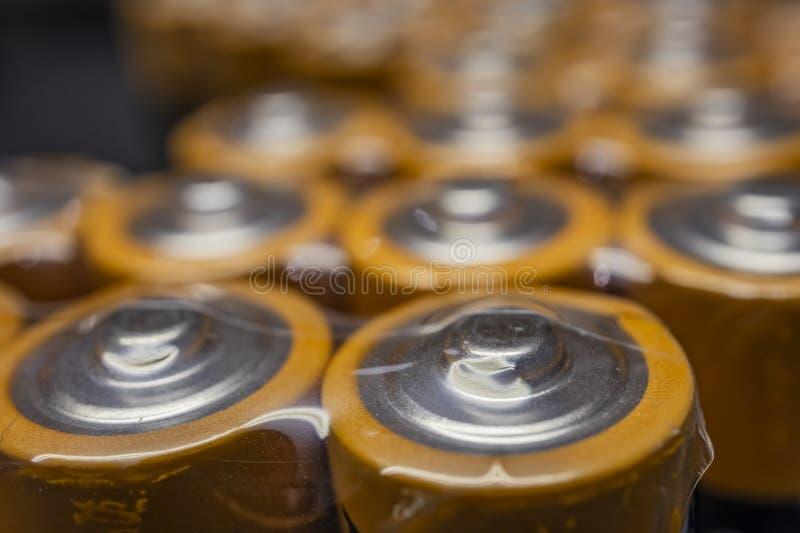 Κλείστε επάνω τις μπαταρίες για τις ηλεκτρονικές συσκευές στοκ φωτογραφία με δικαίωμα ελεύθερης χρήσης