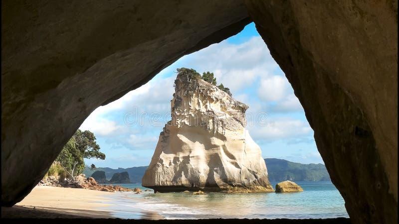 Κλείστε επάνω του σωρού βράχου στον όρμο καθεδρικών ναών στοκ εικόνα