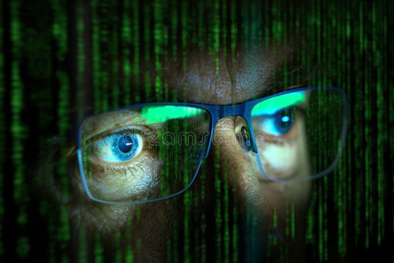 Κλείστε επάνω του χάκερ υπολογιστών στοκ φωτογραφίες με δικαίωμα ελεύθερης χρήσης