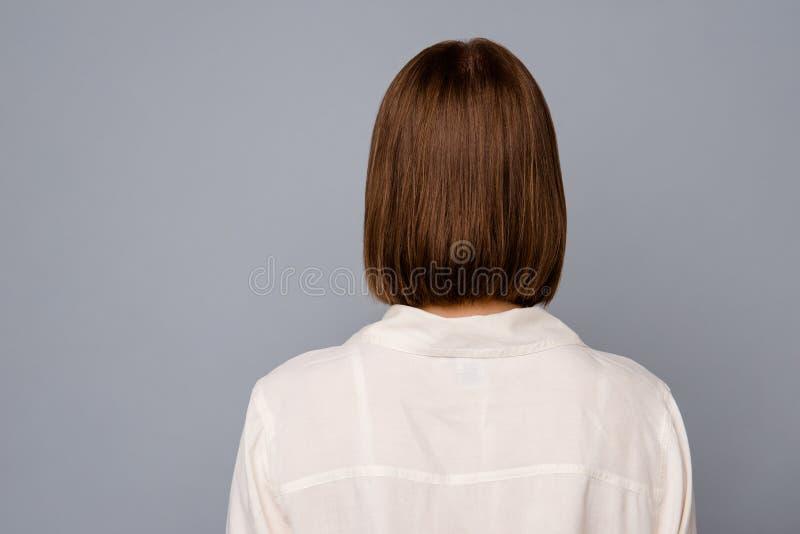 Κλείστε επάνω το πίσω οπίσθιο τμήμα πίσω από τη φωτογραφία άποψης όμορφη που καταπλήσσει αυτή η γυναικεία αδιαφορία της δεν θέλει στοκ φωτογραφίες