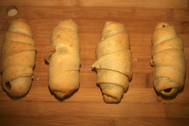 Κλείστε επάνω το σπιτικό Croissant στοκ εικόνα με δικαίωμα ελεύθερης χρήσης