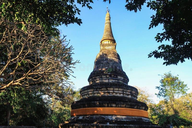 Κλείστε την αυξημένη παγόδα Wat Umong σε CHIANG MAI, Ταϊλάνδη στοκ εικόνες