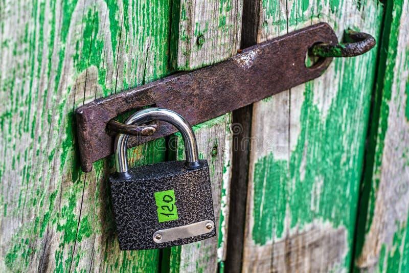 Κλειδαριά στη σιταποθήκη στοκ εικόνα με δικαίωμα ελεύθερης χρήσης