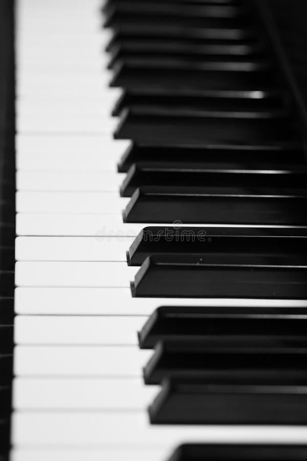 Κλειδιά στο μεγάλο πιάνο μωρών στοκ φωτογραφία