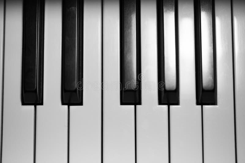 Κλειδιά στο μεγάλο πιάνο μωρών στοκ εικόνες