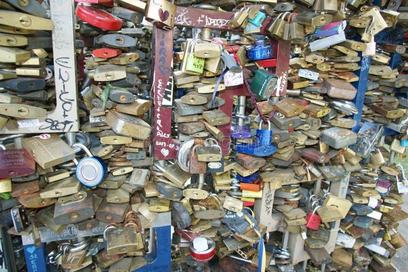 Κλειδώματα της αγάπης στοκ εικόνα