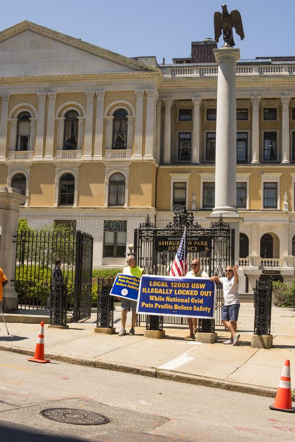 Κλειδώνω-έξω εθνική διαμαρτυρία εργαζομένων πλέγματος έξω από τη Μασαχουσέτη S στοκ εικόνα με δικαίωμα ελεύθερης χρήσης