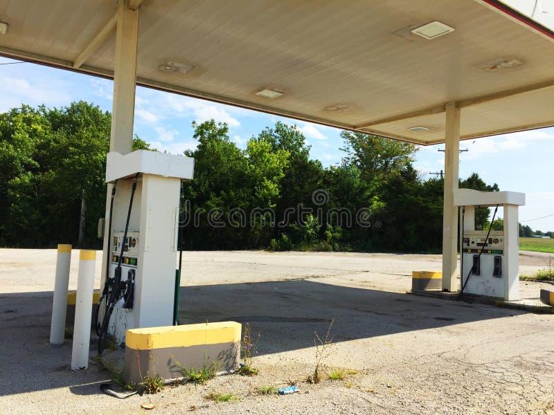 Κλειστό βενζινάδικο 02 πράσινων άσπρο και μαυρίσματος στοκ εικόνες