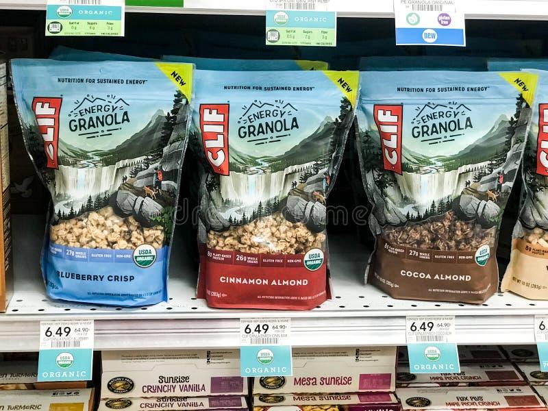 Κλιφ Energy Granola Snack για πώληση σε παντοπωλείο στοκ εικόνες
