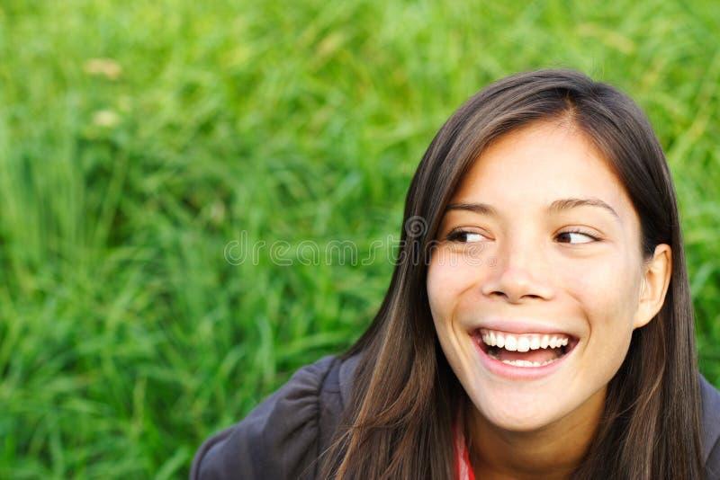 κοίταγμα μακριά γέλιου στοκ εικόνες με δικαίωμα ελεύθερης χρήσης