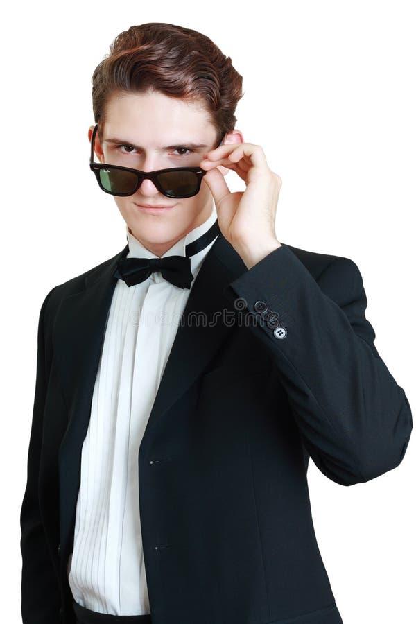 κοίταγμα πέρα από τα γυαλιά στοκ εικόνα