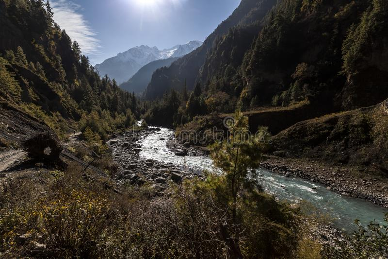Κοιλάδα ποταμών Marsyangdi στα Ιμαλάια, Νεπάλ, περιοχή συντήρησης Annapurna στοκ φωτογραφία