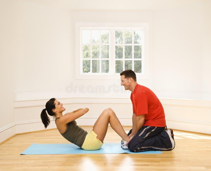 κοιλιακή άσκηση στοκ εικόνα