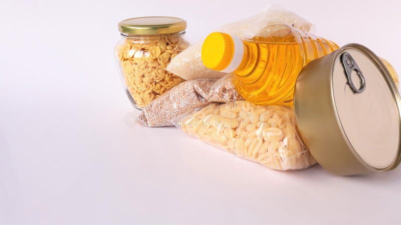 Κοινή χρήση της έννοιας της διατροφής Παράδοση προϊόντων κουτί δωρεάς Εθελοντής συλλογή τροφίμων Πανδημία του Coronavirus κοντινή στοκ εικόνες με δικαίωμα ελεύθερης χρήσης
