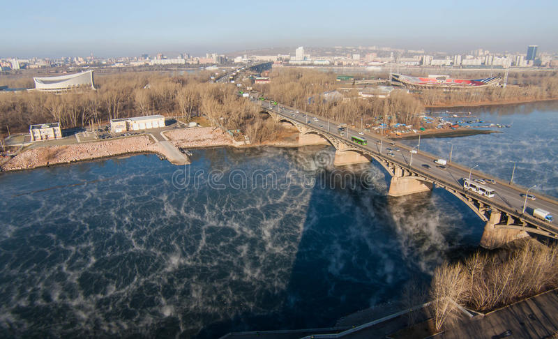 Κοινοτική γέφυρα σε Krasnoyarsk στοκ εικόνα