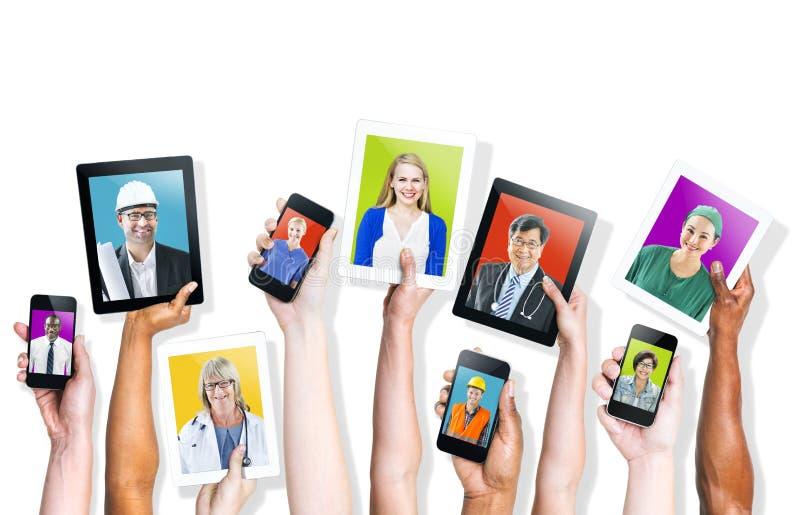 Κοινωνικοί πολυ-εθνικοί άνθρωποι Themed μέσων στοκ φωτογραφίες
