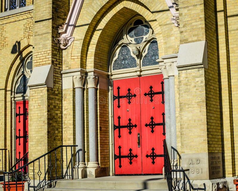 Κοινότητα και σχολείο Αγίου Charles στο στο κέντρο της πόλης Μπέρλινγκτον, WI στοκ εικόνες με δικαίωμα ελεύθερης χρήσης