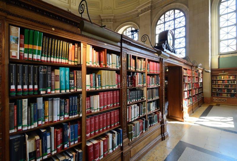 κοινό βιβλιοθηκών της Βοστώνης στοκ εικόνα