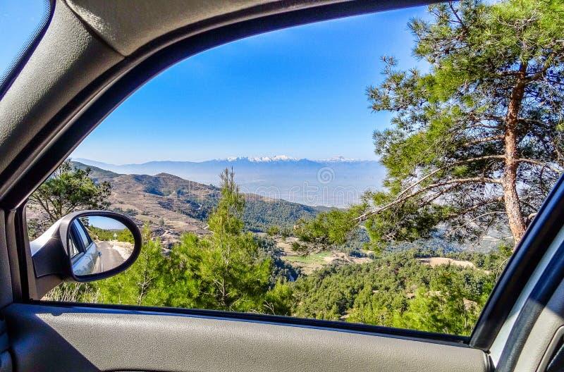 Κοιτάξτε από το παράθυρο ενός αυτοκινήτου, Taurus βουνά, Τουρκία στοκ φωτογραφία με δικαίωμα ελεύθερης χρήσης