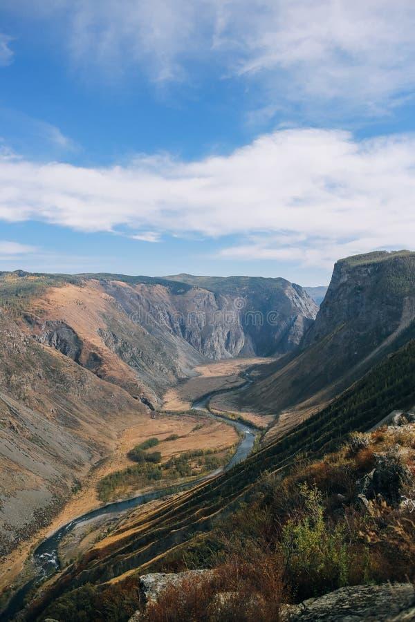 Κοιλάδα Chulyshman φαράγγι στοκ εικόνα