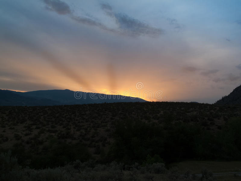 Κοιλάδα Okanagan στο ηλιοβασίλεμα στοκ φωτογραφία
