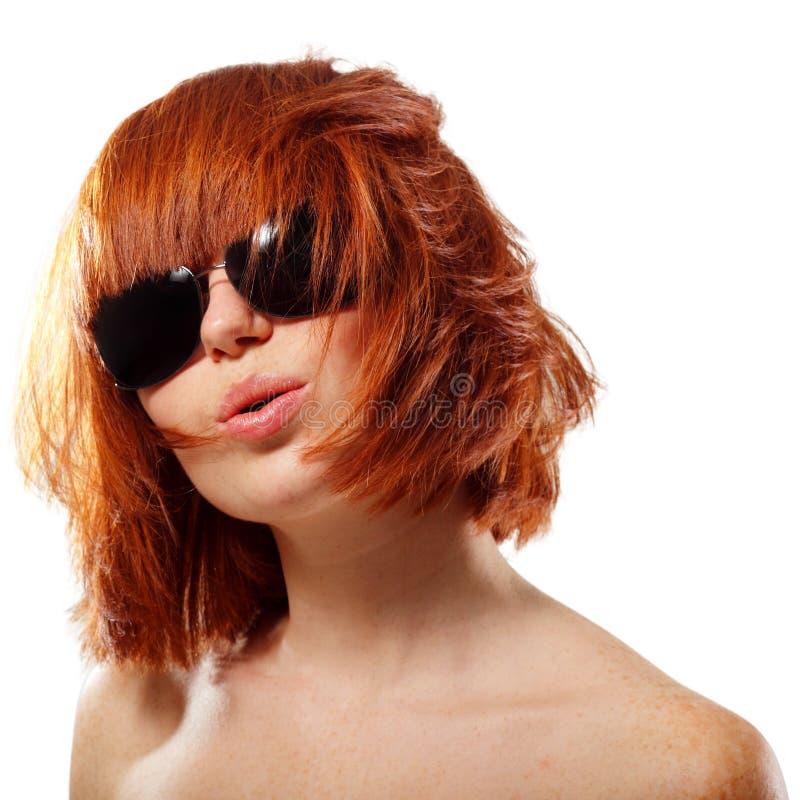 Κοκκινομάλλης εύθυμος κοριτσιών θερινών εφήβων στοκ εικόνες με δικαίωμα ελεύθερης χρήσης