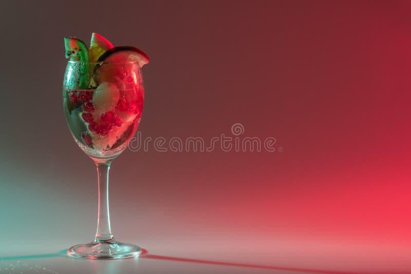 Κοκτέιλ και μη αλκοολούχα ποτά στοκ φωτογραφία