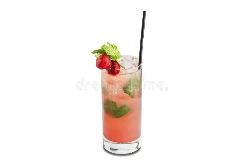 Κοκτέιλ Mojito φραουλών που απομονώνεται στο άσπρο υπόβαθρο στοκ εικόνες