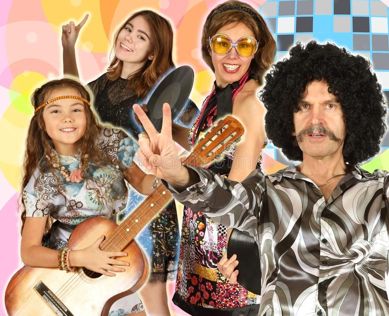 Κολάζ της οικογένειας που ντύνεται στο ύφος disco στοκ εικόνες