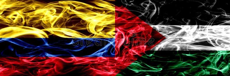 Κολομβία εναντίον της Παλαιστίνης, παλαιστινιακές σημαίες καπνού που τοποθετούνται δίπλα-δίπλα Πυκνά χρωματισμένες μεταξωτές σημα απεικόνιση αποθεμάτων