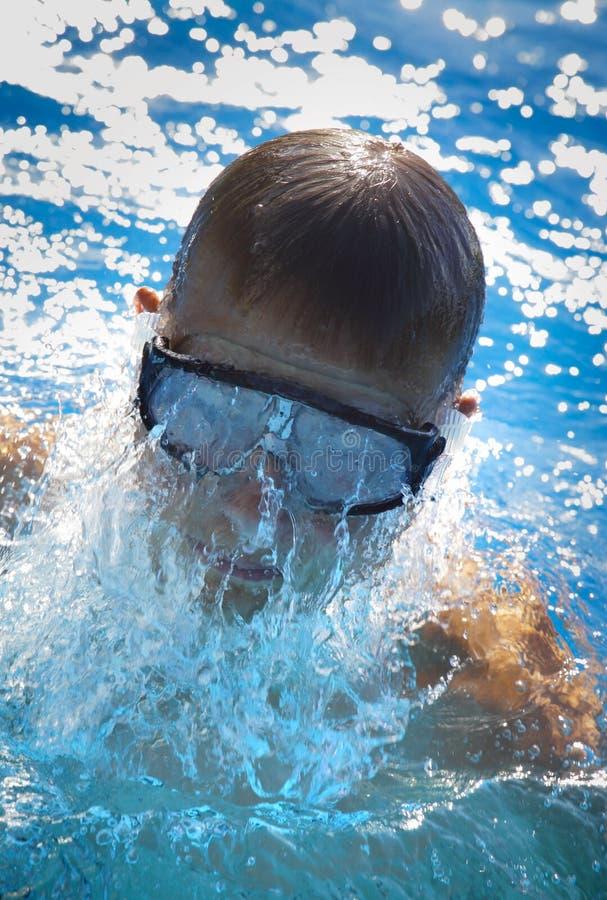 κολυμπώντας νεολαίες α στοκ εικόνες