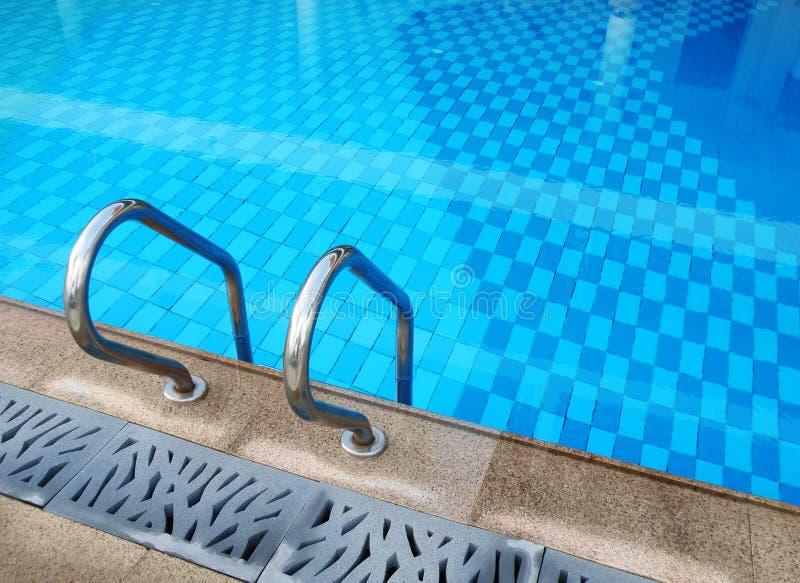 κολύμβηση θερέτρου λιμνώ&nu στοκ φωτογραφία με δικαίωμα ελεύθερης χρήσης