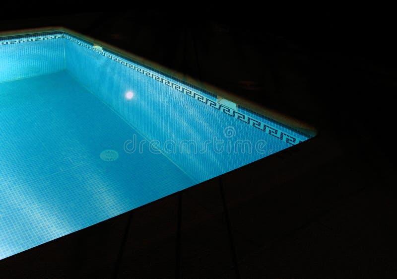 κολύμβηση λιμνών νύχτας στοκ φωτογραφία με δικαίωμα ελεύθερης χρήσης