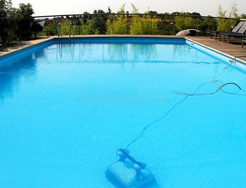 κολύμβηση ρομπότ λιμνών στοκ εικόνα
