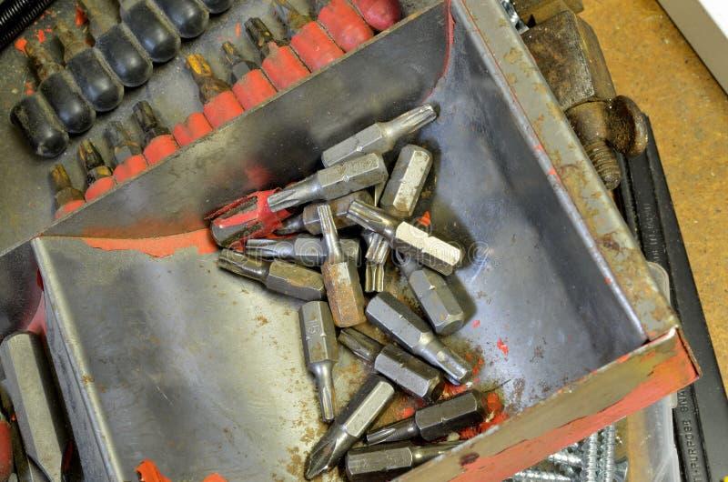Κομμάτια κεφαλιών βιδών Torx σε έναν σωρό στοκ φωτογραφία